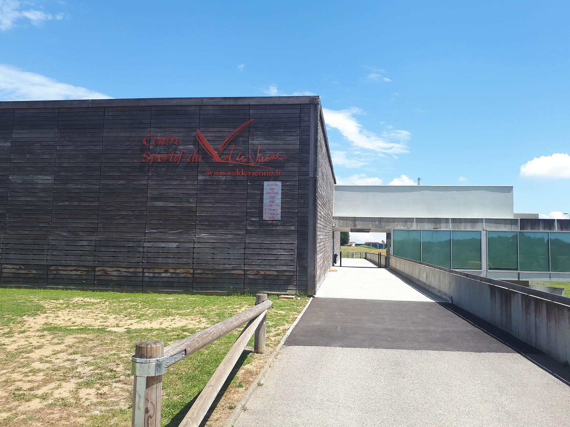 facade centre sportif
